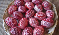 Naučite tradicionalni način ukrašavanja jaja voskom